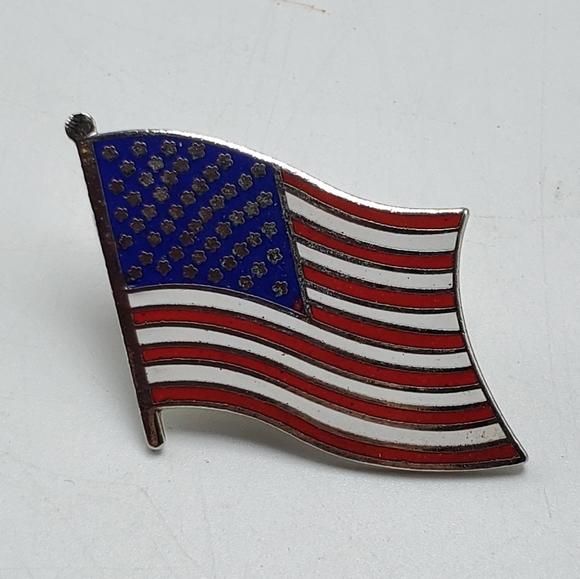 American Flag USA Patriotic Enamel Lapel Pin Gold Tone Metal
